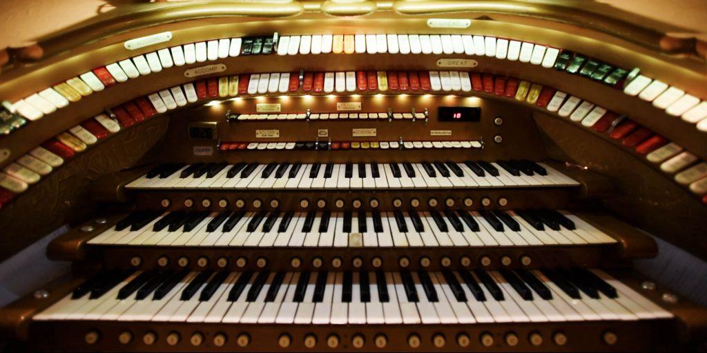 Goldie, the mighty Wurlitzer organ at Proctors.