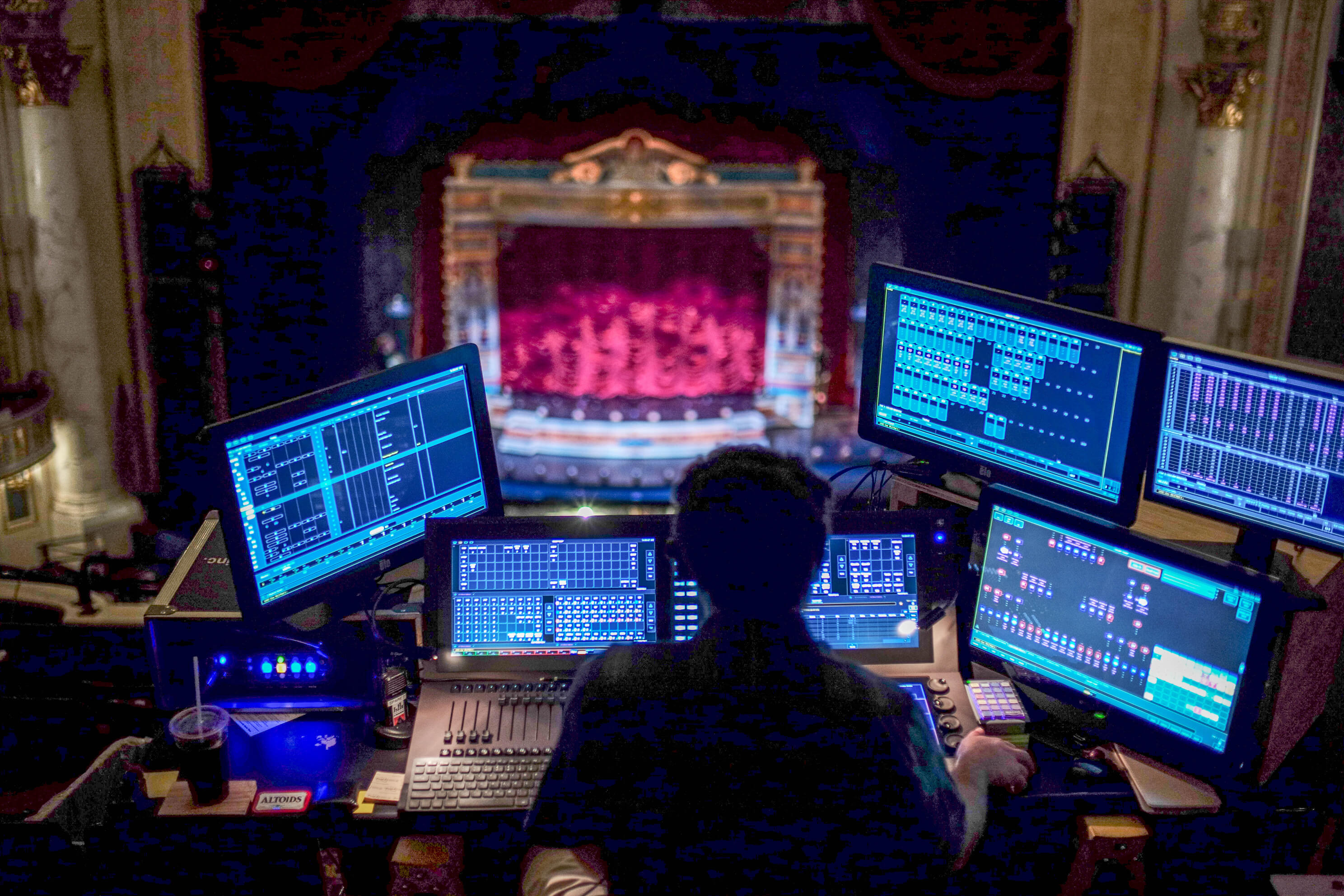X-WEB-GGLAM-CONTROL-FROM-BALCONY